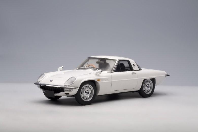 Autoart 75931 - 1/18 Millennium MAZDA Cosmo Sport  bianca  1967