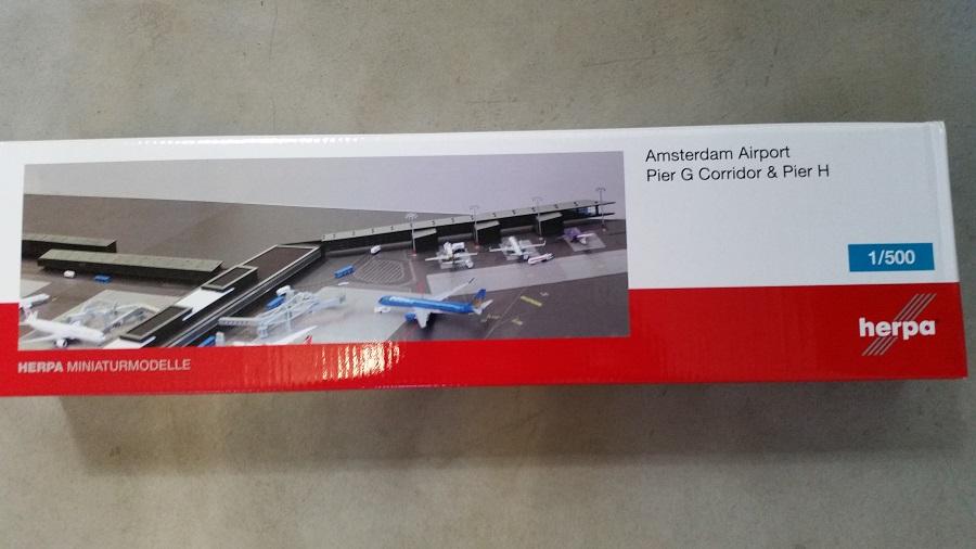 Herpa 528283-1//500 Amsterdam Airport Pier G corridor /& Pier H-NUOVO